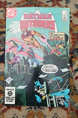 Batman And The Outsiders #13 • 16£