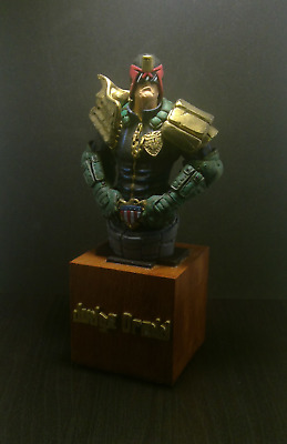 Judge Dredd Large Bust (25 Cm) • 75£