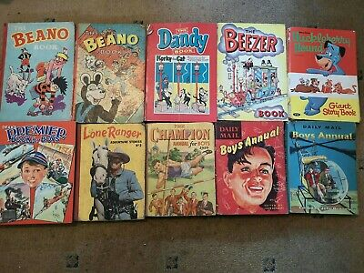 10 Comic Annuals Including Beano And Dandy • 82£