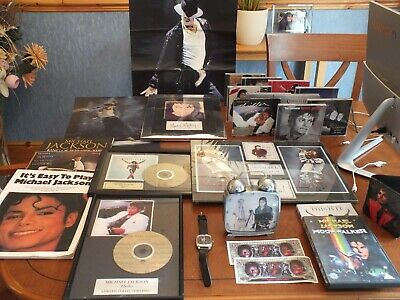 Michael Jackson Memorabilia (JOB LOT COLLECTABLES WITH SOME RARE ITEMS)  • 25£